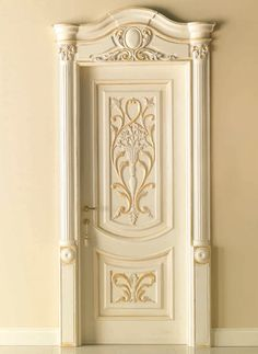 LUIGI XVI 4014/QQ/INT. Polished bleached gold with carved embossment Luigi XVI© Classic Wood Interior Doors | Italian Luxury Interior Doors | New Design Porte Emotions