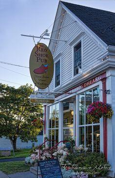 Red Shoe Pub, Mabou, Cape Breton, NS, Canada
