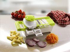 Si uno de tus propositos de este 2016 erá comer sano o perder peso, este es el multipicador que no puede faltar en tu cocina. Hacer ensaladas de verduras y hortalizas puede resultar de lo más sencillo y rápido gracias a este multipicador de alimentos Jocca.