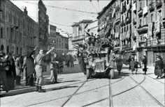 Franquistas entrando en Madrid el 28/3/1939 cuatro días antes de que acabara la Guerra Civil