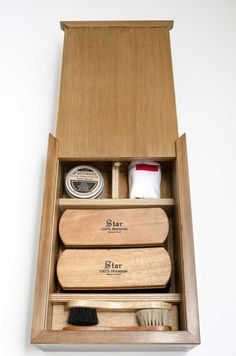 The best shoe shine kit you can buy online.