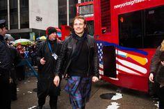 Outlander's Sam Heughan Wears a Kilt to Lead New York's Tartan Day Parade Photos | Vanity Fair