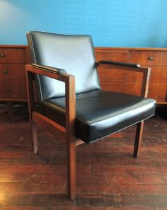 Mid century arm chair in Bedford - Stuyvesant, Brooklyn ~ Apartment Therapy Classifieds