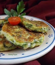 AranyTepsi: Sajtos cukkinilepénykék Gm Diet Vegetarian, Vegetarian Recipes, Low Carb Recipes, Diet Recipes, Cooking Recipes, Healthy Breakfast Recipes, Healthy Eating, Healthy Recipes, Gm Diet Soup