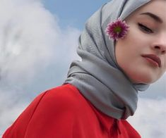 Image in flowers 🌹🌺 collection by ‍princess Rose – girl photoshoot poses Hijabi Girl, Girl Hijab, Girl Pictures, Girl Photos, Beautiful Hijab Girl, Arab Girls Hijab, Hijab Fashionista, Profile Picture For Girls, Photography Poses Women