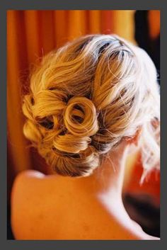 Hairstyles, Classic Wedding Hairstyles: Simple Style of Wedding Updos For Medium Length Hair