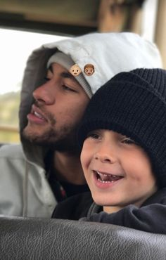 Neymar Jr and Davi Lucca Neymar Pic, Moving To Barcelona, Fc Barcelona, Psg, Neymar Jr Wallpapers, Super Bowl, Just A Game, Cristiano Ronaldo, Abs