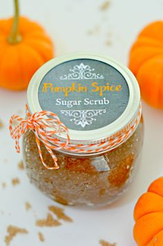 Pumpkin Spice Sugar Scrub with Free Printable Mason Jar Labels - This scrub smells like fall and leaves skin feeling amazing! Made with all natural ingredients including coconut oil. via @Mom4Real