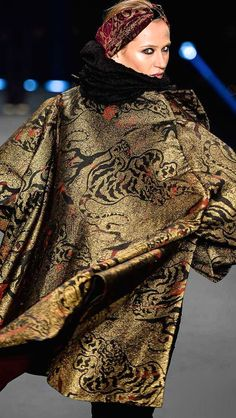 Lino Villaventura-I love this jacquard tapestry coat-it has a nice sheen to the fabric!!