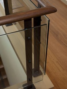 Best:Glass Staircase Railing Design, Pictures, Remodel, Decor and Ideas - page 2 Interior Stair Railing, Balcony Railing Design, Staircase Handrail, Wooden Staircases, Staircase Design, Stair Case Railing Ideas, Wood Handrail, Banisters, Contemporary Stairs