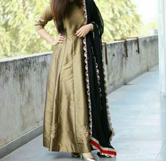 53 Outfits Design Ideas for Your Partner That Look Amazing Pakistani Dresses, Indian Dresses, Indian Outfits, Simple Dresses, Beautiful Dresses, Girl Fashion, Fashion Dresses, Fashion Clothes, Frocks And Gowns