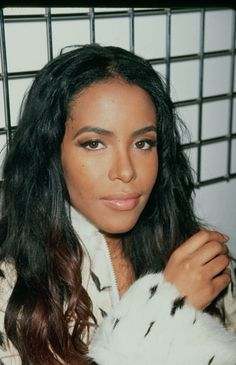 Aaliyah really love her natural make up with her skin tone
