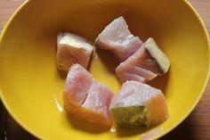 South African Fish Curry Recipe - Mchuzi Wa Samaki Recipe - Yummy Tummy Fish Filet Recipes, Fish Recipes, Indian Food Recipes, Fish Curry Coconut, Tamarind Juice, Hot Dog Recipes, Curry Leaves, Garam Masala, Curry Recipes