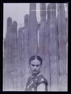 Beautiful Frida Kahlo. #MexicanArtist #LoveMexico