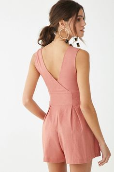 Forever 21 is the authority on fashion & the go-to retailer for the latest trends, styles & the hottest deals. Shop dresses, tops, tees, leggings & more! Casual Winter Outfits, Classy Outfits, Spring Outfits, Denim Skirt Outfits, Ankara Gown Styles, Clothing Hacks, Chor, Jumpsuits For Women, Fashion Sets
