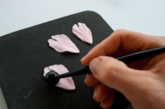How to make a gum paste peony (part 1)