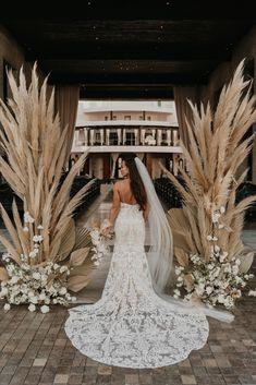 Chic Wedding, Floral Wedding, Perfect Wedding, Wedding Ceremony, Dream Wedding, Neutral Wedding Decor, Neutral Wedding Flowers, Wedding Reception Backdrop, Romantic Wedding Decor