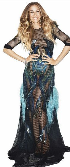 Who made Sarah Jessica Parker's blue and black feather gown?