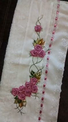 loy handcrafts towels embroydered with Silk Ribbon Embroidery, Hand Embroidery, Embroidery Designs, Diy Crafts Hacks, Diy And Crafts, Arts And Crafts, Satin Ribbon Roses, Outdoor Crafts, Brazilian Embroidery