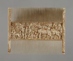 Double Comb with Scenes of Courtly Life  1400-1430 (Late Medieval)