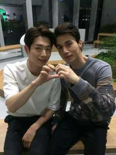 SBS Roommate | Lee Dong Wook and Seo Kang Joon