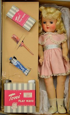 Ideal Toni P-92 doll mint in box - by Stephenson's Auction