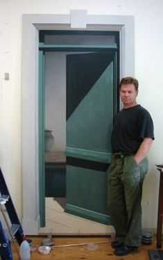 "Ron Francis - Me in front of ""Green Door"" in progress. Ron Francis, Melbourne, Green, Art, Templates, Dibujo, Art Background, Kunst, Performing Arts"