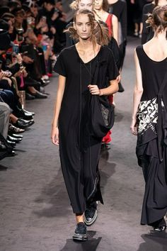 Japanese Fashion Trends 2020.Yohji Yamamoto Spring 2020 Ready To Wear Collection Vogue