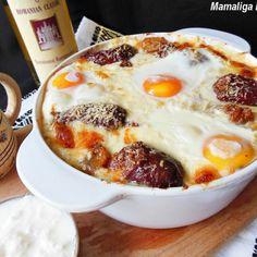 Reteta Mamaliga in straturi - Porc Baking Recipes, Vegan Recipes, Italian Pasta Dishes, Good Food, Yummy Food, Romanian Food, 30 Minute Meals, I Want To Eat, Foodies