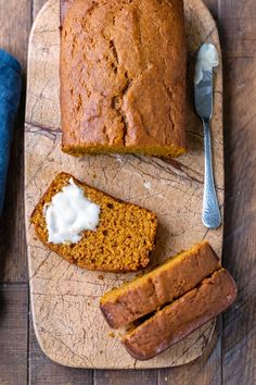 Four Kitchen Decorating Suggestions Which Can Be Cheap And Simple To Carry Out Easy Pumpkin Bread Recipe Makes 2 Loaves Of Moist Homemade Pumpkin Bread. No Mixer Needed Includes Directions For Freezing And Diy Pumpkin Spice. Diy Pumpkin, Pumpkin Pie Spice, Easy Pumpkin Bread, Easy Pumpkin Recipes, Pumpkin Loaf, Herd, Fall Recipes, Thanksgiving Recipes, Yummy Recipes