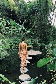 Bali het eiland vol verrassingen! ✨ Het eiland heeft een prachtige natuur, indrukwekkende tempels en stranden waar je verliefd op wordt! >>> https://ticketspy.nl/deals/love-bali-ontdek-de-schoonheid-van-bali-en-overnacht-een-prachtig-4-hotel-va-e599/