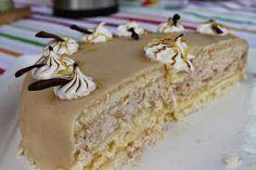 """Marias Madside: """"Det gyldne tårn"""" - lagkage med rabarbermousse og citroncreme No Bake Desserts, Let Them Eat Cake, Cupcake Toppers, Vanilla Cake, Tart, Cake Recipes, Wedding Cakes, Food And Drink, Sweets"""