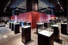 #historiesdetocador #arqueologia #arqueoxarxa L'exposició Històries de Tocador. Cosmètica i bellesa a l'antiguitat ens desvetllarà els principals secrets de bellesa a l'antiguitat, de les tècniques i dels petits gestos quotidians que homes i dones feien servir per millorar la seva imatge personal, per estar bells. ____Fins a finals d'any!!_____