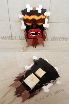Crash Bandicoot - Real size Uka Uka mask ~ Made in real wood, painted and cutted all by hand! It is about 13x10 inches, totally wearable  https://www.facebook.com/MaryEllaArtAndCreations/photos/pb.415285905188191.-2207520000.1422832886./883095681740542/?type=3&theater