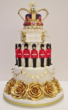 The Queens Diamond Jubilee Cake British Cookies, British Cake, Beautiful Cakes, Amazing Cakes, Royal Cakes, Queen Cakes, Crown Cake, London Cake, Cake Gallery