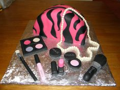 Canadian Beauty Blogger -Funny Face Beauty- Beauty, Fashion and All Thing Pretty and Pink: Love Them or Leave Them: Makeup Cakes GRADUATION CAKE