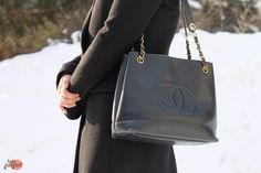 classic leather tote #bag :: #Chanel