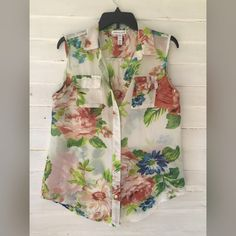 Floral top Sheer, worn once. No rips, tears, stains or pulls. Ambiance Apparel Tops Button Down Shirts