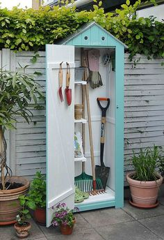 Billedresultat for nina ewald højbede Small Garden shed. Idea and Photo: Nina Ewald, www. Shed DIY - Jolie rangement pour le jardin. Now You Can Build ANY Shed In A Weekend Even If You've Zero Woodworking Experience! 3 Impressive Tricks Can Change Your L Outdoor Projects, Garden Projects, Garden Tools, Garden Sheds, Small Garden Tool Shed, Outdoor Decor, Planting Tools, Garden Storage Shed, Outdoor Living