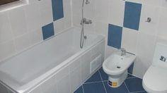 amenajare baie la casa Corner Bathtub, Bath Mat, Bathroom, Wordpress, Home Decor, Washroom, Decoration Home, Room Decor, Full Bath