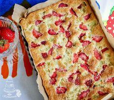 Kermaruusu: Yhden kulhon raparperi-mansikkapiirakka (gluteeniton) Gluten Free Baking, Sweet Recipes, Quiche, Bakery, Brunch, Food And Drink, Pie, Bread, Breakfast