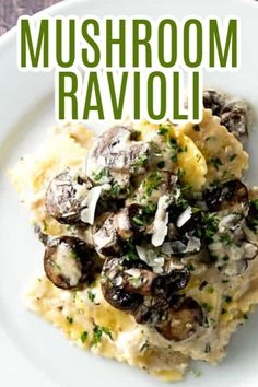 Four Kitchen Decorating Suggestions Which Can Be Cheap And Simple To Carry Out This Creamy Mushroom Ravioli Dish Starts On The Stove And Finishes In The Oven Making It The Perfect Weeknight Dinner. A Stovetop Casserole Yummy Pasta Recipes, Vegetarian Recipes, Cooking Recipes, Recipe Pasta, Risotto Recipes, Healthy Cooking, Delicious Recipes, Healthy Eating, Creamy Mushrooms