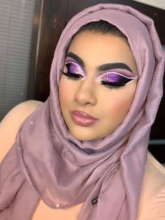 Glam Makeup, Makeup Inspo, Eyeshadow Makeup, Makeup Inspiration, Makeup Ideas, Glitter Glue, Makeup Techniques, Winged Eyeliner, Fantasy Makeup