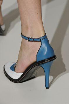 Sapato Reinaldo Lourenço. Mais Acessórios: http://abr.io/2Gqe | Fotos Fotosite