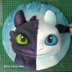 How to Train Your Dragon Cake 😍 - Koch&BackIdeen - Birthday Cake Decorating Videos, Cake Decorating Techniques, Cookie Decorating, How To Train Your, How Train Your Dragon, Train Dragon, Dragons Cake, Dragon Birthday Cakes, Cake Birthday