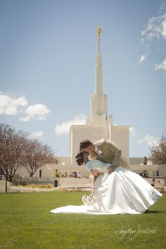 LDS temple wedding! Dip in front of the Denver Temple!  Clayton Jenkins photography! He did amazing! http://www.claytonjenkins.com #lds #temple #ldstemple