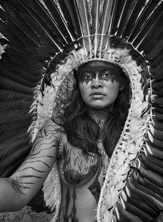 A woman from the Yawanawa tribe, State of Acre, Brazil, 2016 (Sebastião Salgado) Amazon South America, Photo B, Pow Wow, Documentary Photography, Historical Costume, Best Photographers, Photojournalism, World Cultures, Headdress