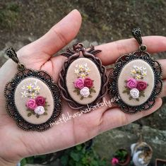 This Pin was discovered by Büş Ribbon Embroidery Tutorial, Hand Embroidery Flowers, Cute Embroidery, Embroidery Jewelry, Hand Embroidery Designs, Embroidery Stitches, Embroidery Patterns, Handmade Gifts For Men, Art Textile