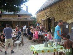 Frankrijk, Dordogne- Camping Domaine des Mathévies*** - kleine gezellige camping met eenvoudige maar smaakvollege gerechten. Organiseren leuke wekelijkse activiteiten zoals BBQ en kampvuur. Chalets, mobile homes en camping