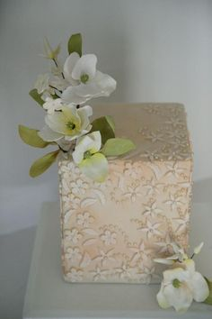 Bas relief, pearls & flowers  - Cake by Happyhills Cakes